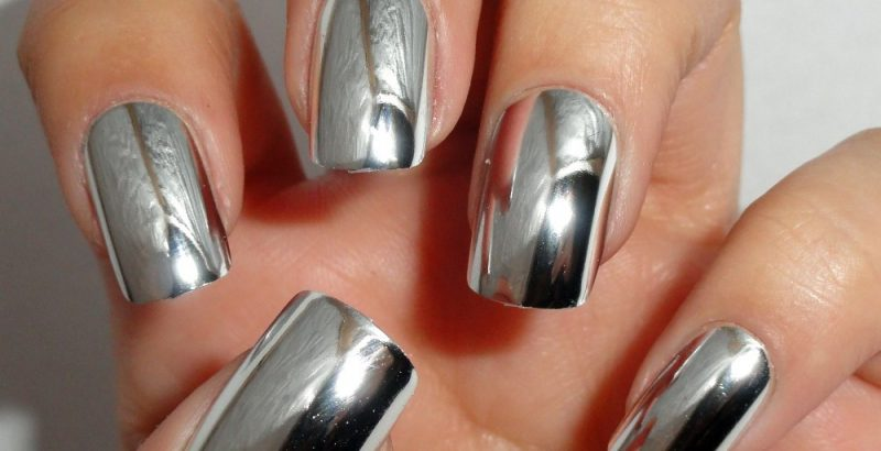 lustrzany manicure
