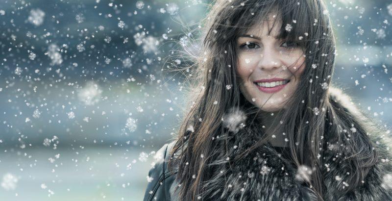 jak dbać o włosy zimą?